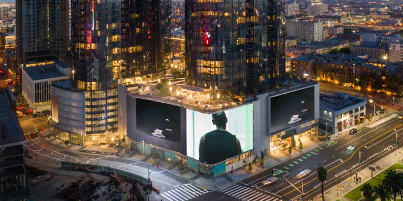 """Digital Signage cucerește """"Orașul îngerilor"""""""