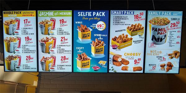 Meniu digital afișat pe display-uri instalate de iTotem în restaurantul Noodle Pack (Satu Mare)