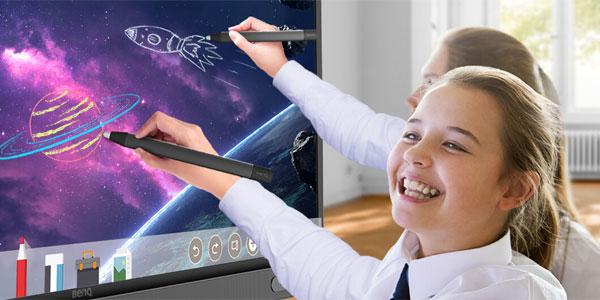 Avantajele implementării soluțiilor de digital signage în educație