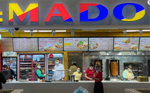 Display-uri indoor personalizate pentru Mado